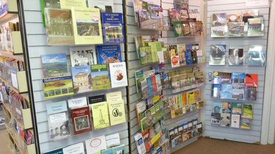 Todmorden, UK: Loads of local walks leaflets and booklets on offer