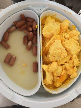 Grande Albergo Ausonia & Hungaria: Breakfast day #1