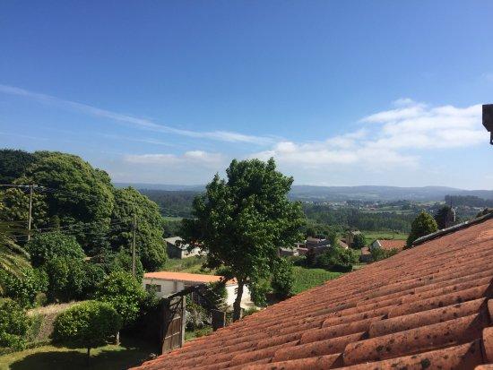 Pazo do Souto: Vista del Pazo, de los alrededores que se ven desde la habitación y la bañera de hidromasajes. T