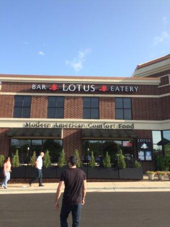 lotus bar & eatery: photo3.jpg