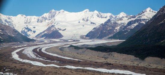 McCarthy, AK: The flow of the glacier