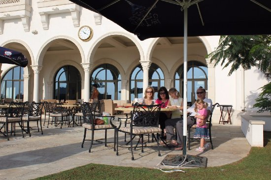 Yas Links Abu Dhabi: Relaxing
