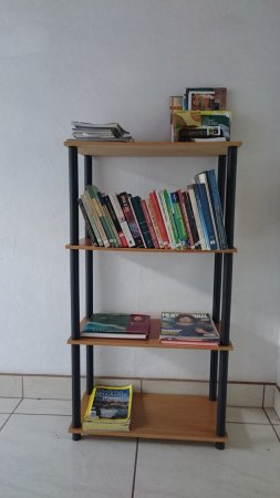 Managua Department, นิการากัว: Some books at our library