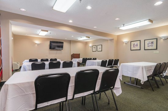 Quality Inn & Suites Medical Park: Meeting Room