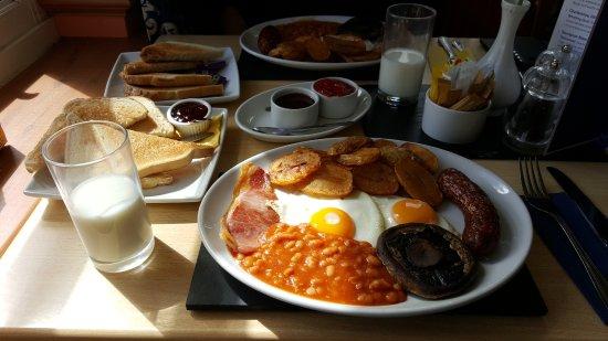 Bovey Tracey, UK: Full English