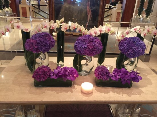The Westbury : Beautiful Lobby Flowers