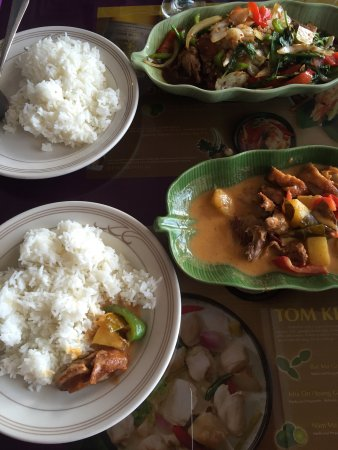Bangkok Bangkok: Duck with basil and duck with red curry sauce