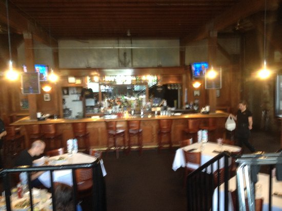 Branford, CT: Interior View of Donovans's Reef showing the Bar.