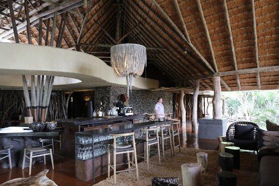Singita Boulders Lodge: Bar