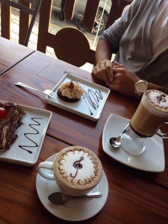 Santidade Café e Bistrô. Foto