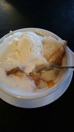 Seymour, TN: Delicious Homemade Peach Cobbler