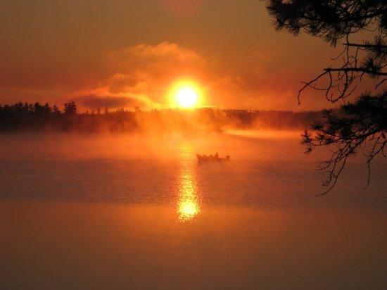 Crane Lake, มินนิโซตา: Sunset Over Voyageurs National Park