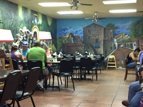 Hereford, TX: Wall murals
