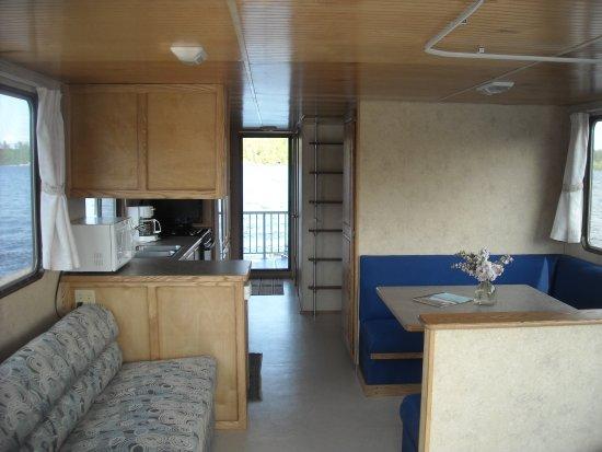 Crane Lake, MN: Sportcruiser Interior