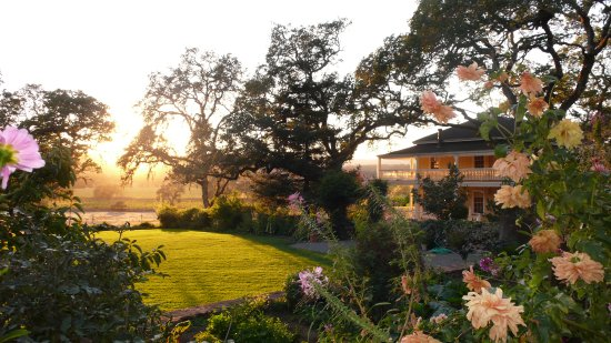 Beltane Ranch : Estate Gardens & Vineyards.