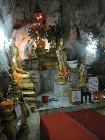 Khao Yoi, Thailand: สิ่งศักดิ์สิทธิ์มากมาย