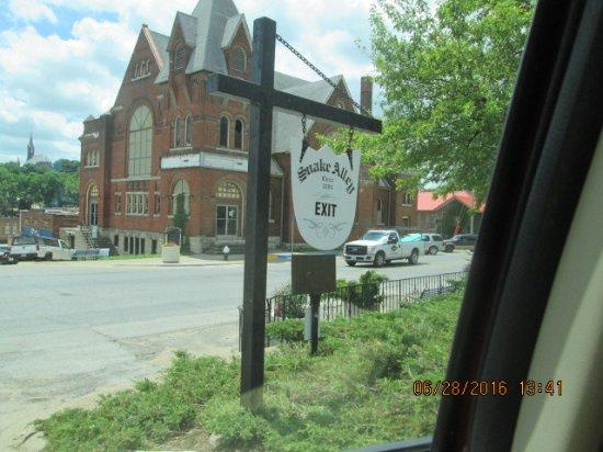 Burlington (IA) United States  city photo : Snake Alley 2015 Picture of Snake Alley, Burlington TripAdvisor