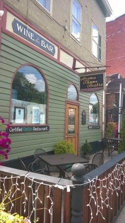 Ellenville, Νέα Υόρκη: outside seating