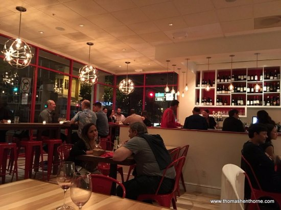 San Rafael, CA: Main dining room at Le Comptoir