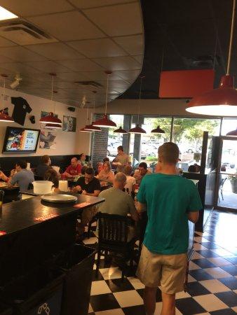 Leesburg, VA: MELT on a crowded Friday night.