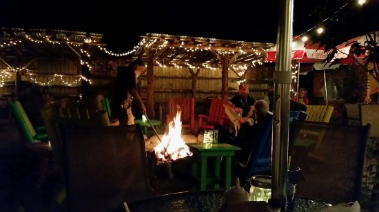 Live music, warm fire, great service. Lake City at 10pm! What a wonderful night out.