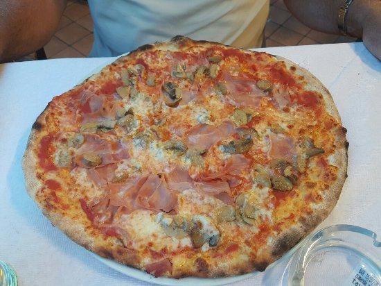 Pizzeria Ristorante Caminetto : Pizza ottima