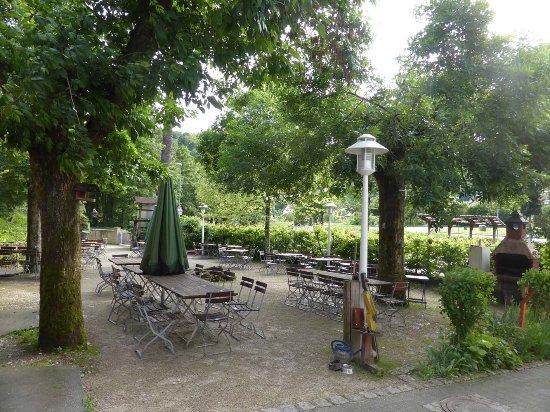 Typisch Franken Biergarten Picture Of Behringers Freizeit Und Tagungshotel Gossweinstein Tripadvisor