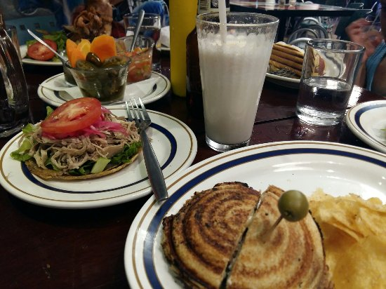 Cafeteria Impala: 20160715_231531_large.jpg