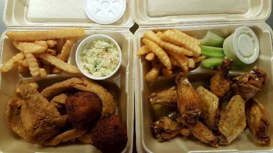 Griffin, Джорджия: Lemon Pepper Wings & Whiting Dinner
