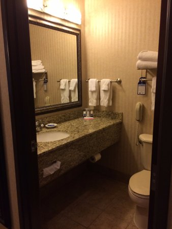 Forest Grove, OR: Updated vanity with large mirror.