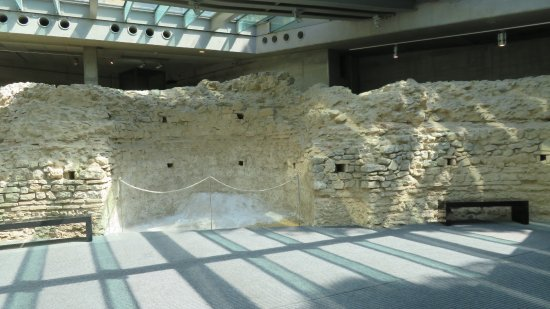 wall at roman burial chamber picture of early christian mausoleum