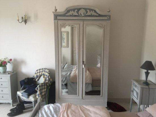 Sorges, Fransa: Ground floor master bedroom 2