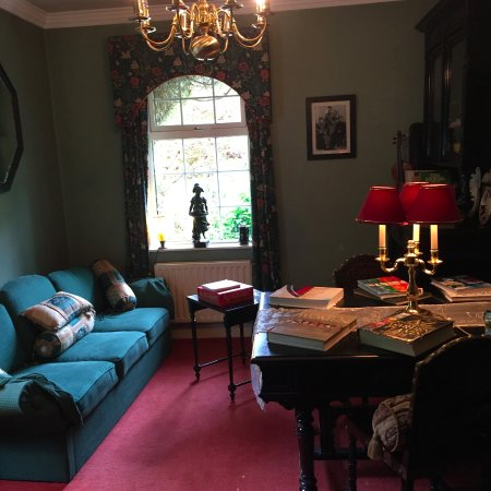 Caragh Lake, Irland: One of the many sitting rooms