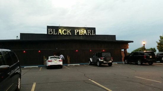 Black Pearl Rok Grille & Rum Bar