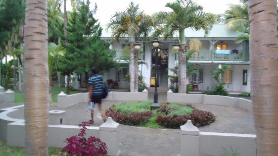 Piscine Avec Vue Sur Le Lagon Picture Of Veranda Grand Baie Hotel Spa Mauritius Tripadvisor