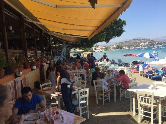 Hotel Taverna Romvi: photo1.jpg