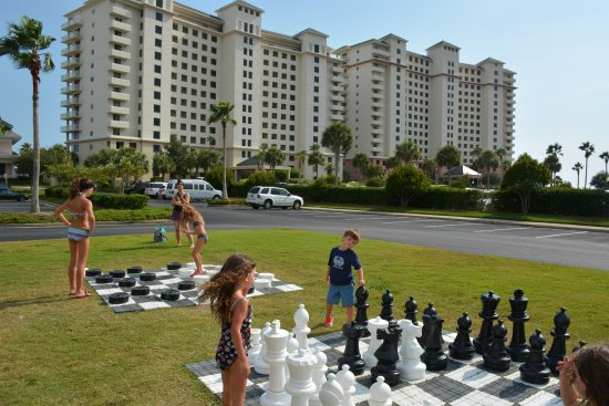 The Beach Club: playing outdoor games with friends