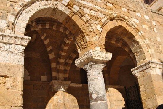Portico picture of portico dei cavalieri templari for Disegni del portico laterale