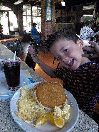 Restaurante El Correcaminos: Great pancakes!!