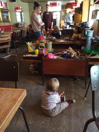 Knap Så Stille Børn Billede Af The Laundromat Cafe København