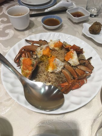 Delicious old Taiwanese style food fusion with Western Style and has very good service. A comfor