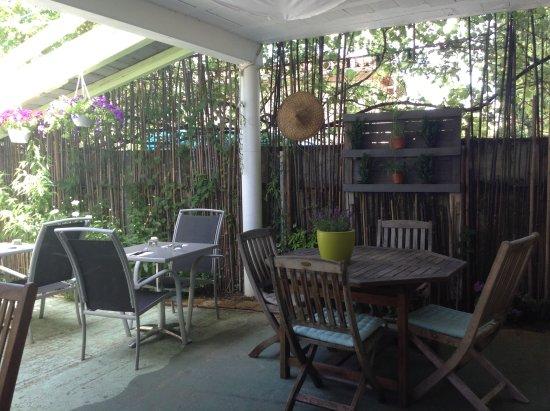 Mirande, França: Terrasse couverte