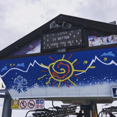 Cortina Dolomiti Ski School : Life is Better when you ski