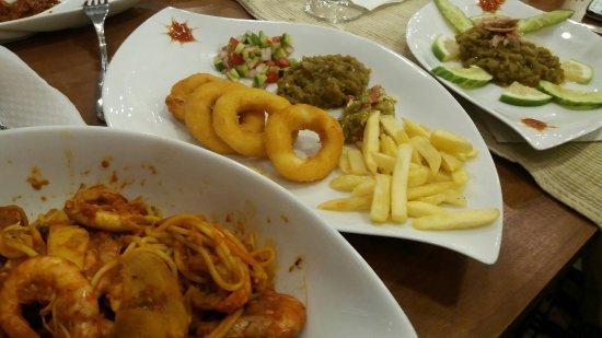 Mahres, Tunisia: Restaurant La Goulette Sfac Rue Majida Boulila