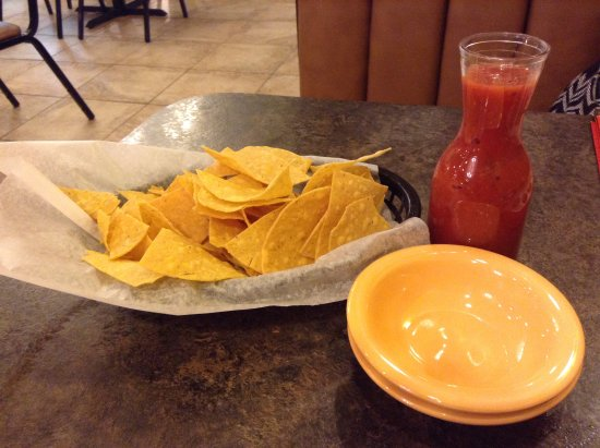 Maryville, MO: The chips were fresh, the salsa tasty.