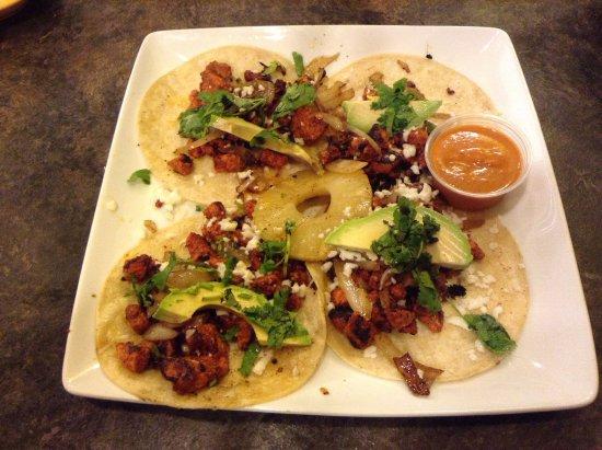 Maryville, MO: Tacos al Pastor.
