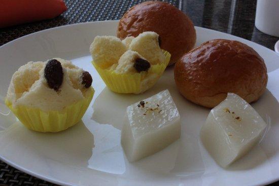 Parkview Hotel: Китайские сладости.