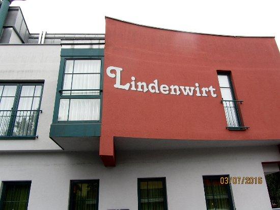Gasthof Lindenwirt : Fassade von der Straße aus