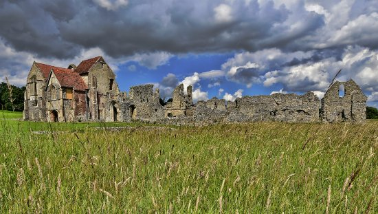 Castle Acre, UK: The inner priory. A mixture of ruin and well maintained buildings -