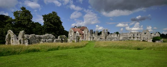 Castle Acre, UK: The outer priory. A mixture of ruin and well maintained buildings -